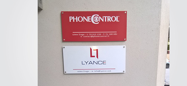 Enseigne signalétique murale Phonecontrol